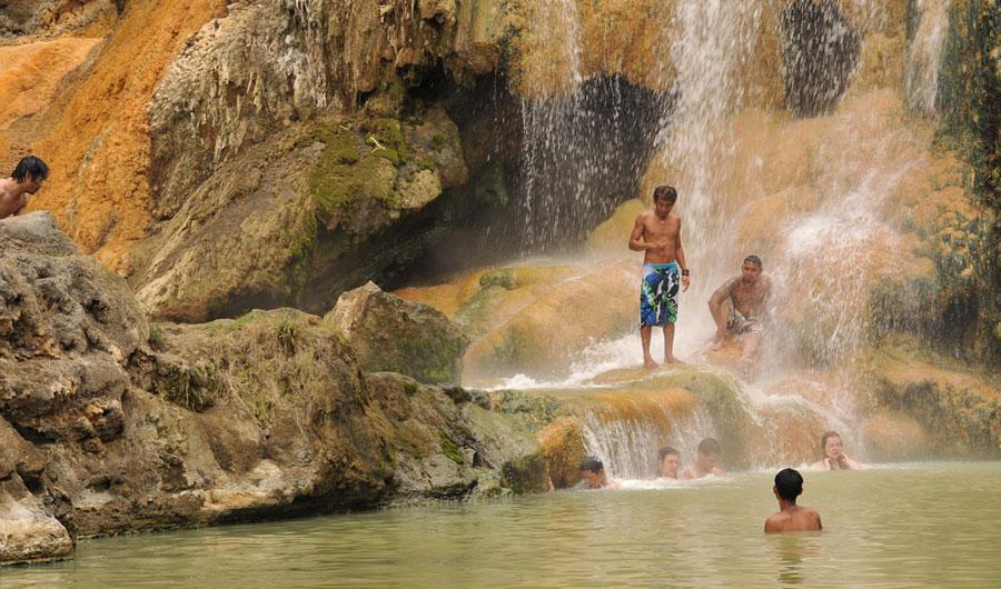 hot-spring-mt-rinjani