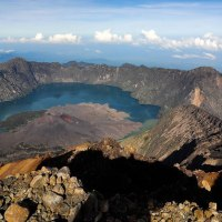 Hiking Mt Rinjani package 4 days 3 nights via Senaru