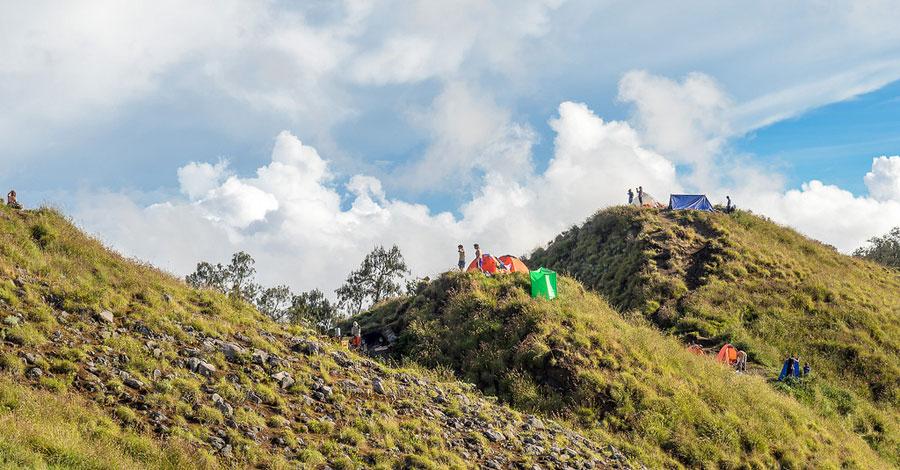 plawangan-senaru-crater-rim3