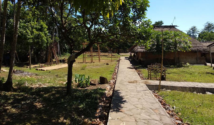 senaru-village3