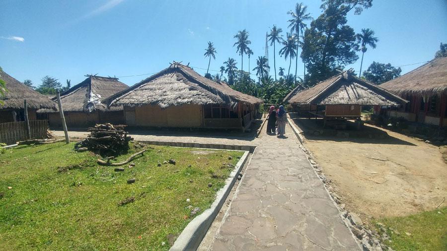 senaru-village5
