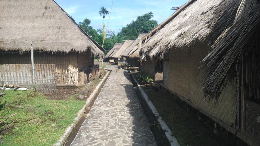 senaru-village6
